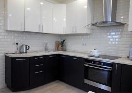 Кухня жасмин + дуб мелинга