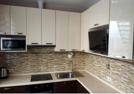 Кухня жасмин + венге золото